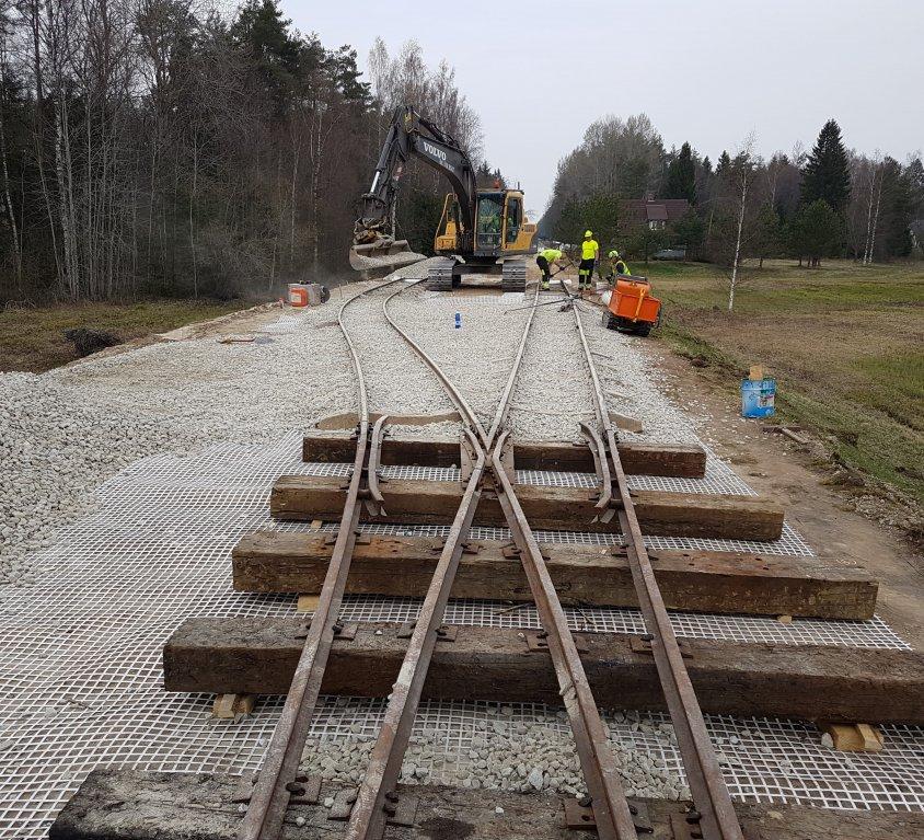 750 mm rautatie rakentaminen Avinurmessa